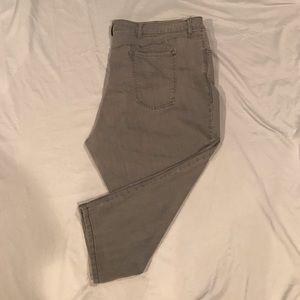 Old Navy Capri Pants Size 30